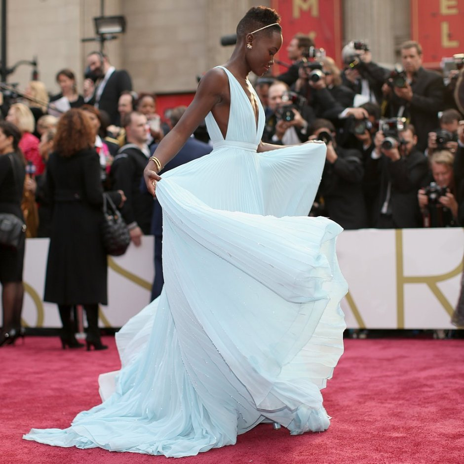 10-Pictures-Lupita-Nyongo-Loving-Life-Her-Prada-Dress
