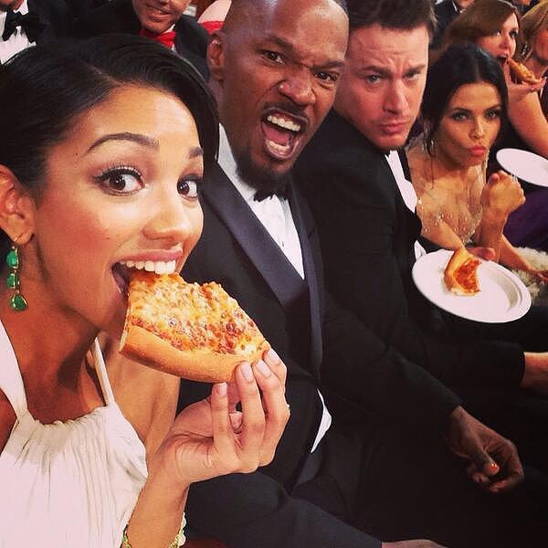Ellen-DeGeneres-Pizza-Delivery-2014-Oscars