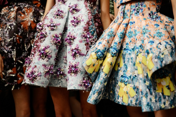 mary-katrantzou-rtw-ss2014-backstage-08_170850564490.jpg_carousel_parties